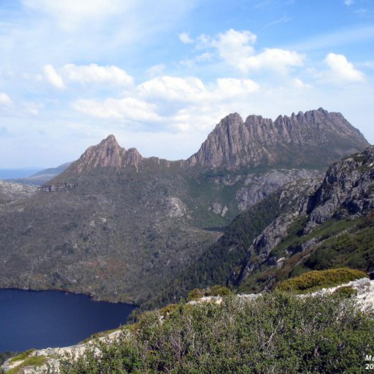 Across Dove Lake to Cradle Mountain - Tasmania