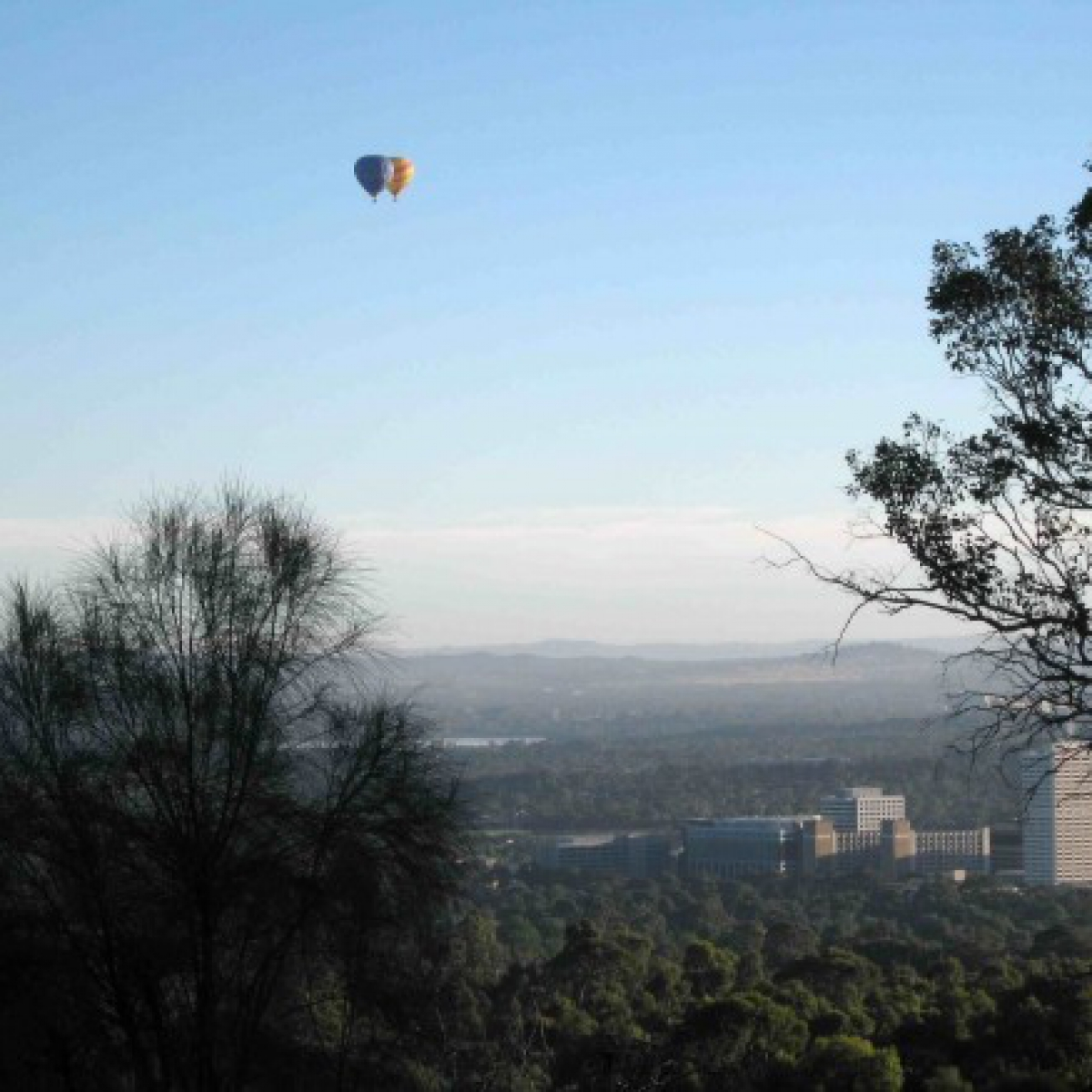 Mt Taylor Hot air over southern Canberra